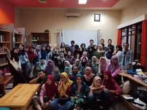 foto bersma mahasiswa dan dosen